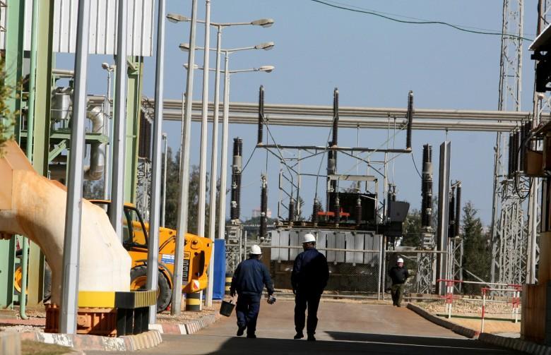 إعادة تشغيل مولدين في محطة الكهرباء