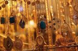 الذهب يتجه لأكبر خسارة أسبوعية هذا العام مع ارتفاع الدولار