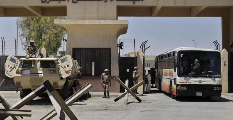 مصر ترحل أربعة فلسطينيين إلى غزة