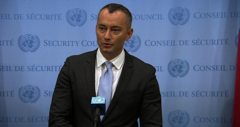 ميلادينوف يدعو القناصة الاسرائيلية إلى وقف استهداف الأطفال في غزة