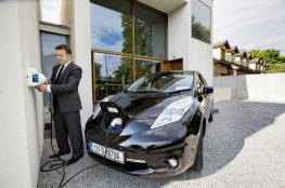 """""""بايتون"""" الصينية تدخل قطاع السيارات الكهربائية وتنافس """"تسلا"""""""
