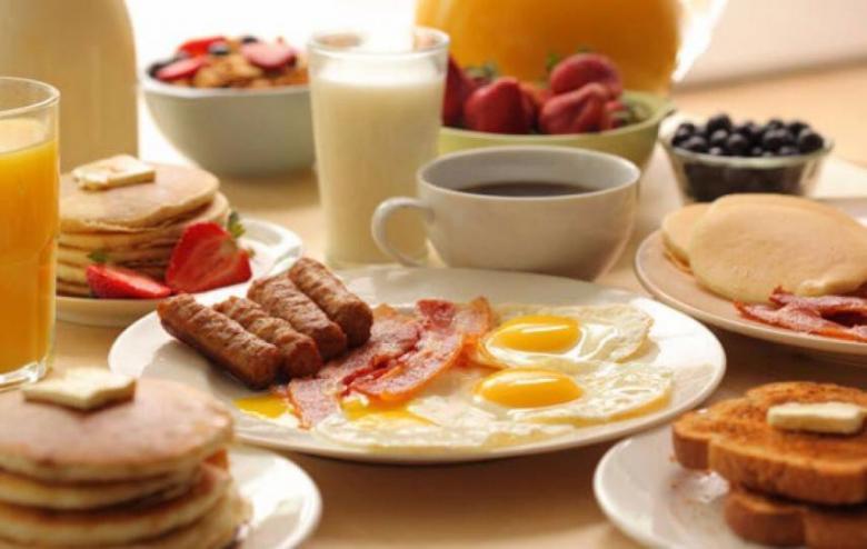 ماذا يحدث لجسمك عندما تتخلى عن الإفطار؟