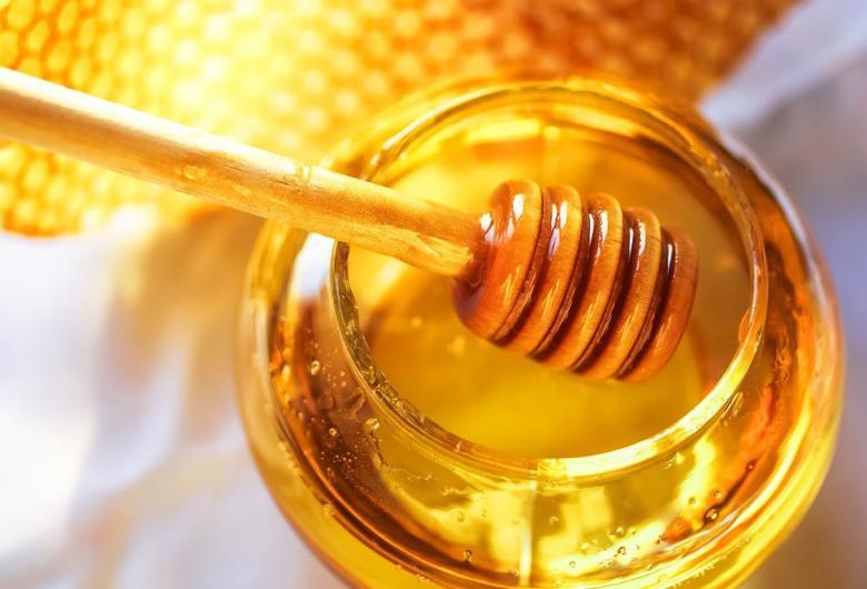 أهمية العسل للأطفال والرضع