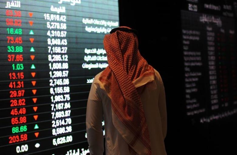 البورصة السعودية تسجل أقل مستوى في شهر وسط معنويات سلبية