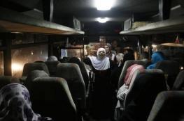 """55 من أهالي أسرى غزة يزورون ذويهم بـ""""نفحة"""""""