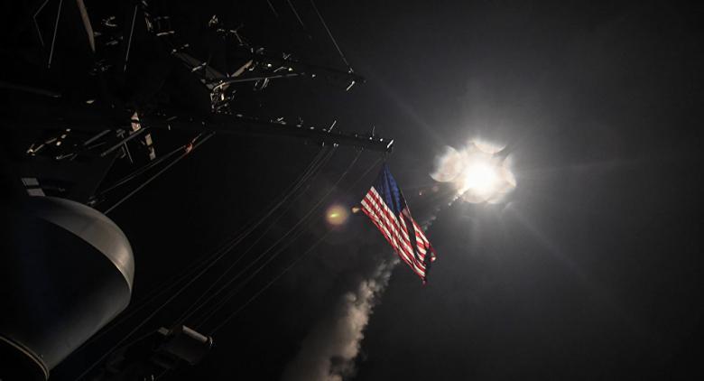 كوريا الشمالية تعرض صاروخا باليستيا للمرة الأولى