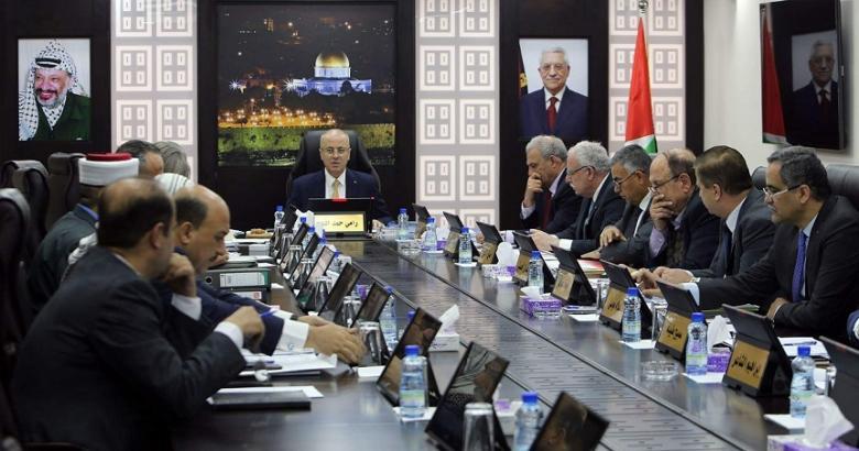الحكومة: لم نفرض عقوبات على غزة والخصومات مؤقتة