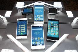 ابتكار شاشات تسمح بإنتاج هواتف ذكية قابلة للطي