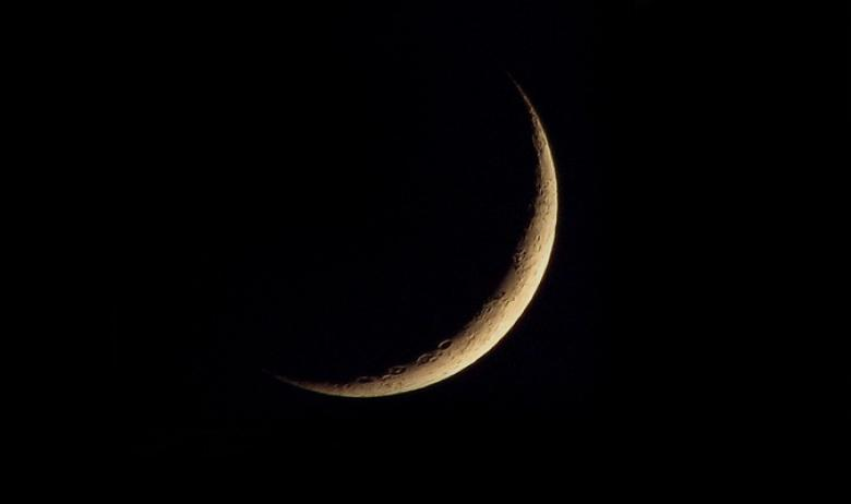 """تفاصيل وموعد رؤية """"هلال العيد"""" في معظم الدول العربية"""
