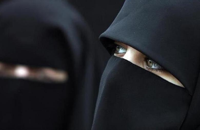 """هكذا حوّلت هدية """"عيد ميلاد"""" فتاة من الإلحاد إلى الإسلام"""