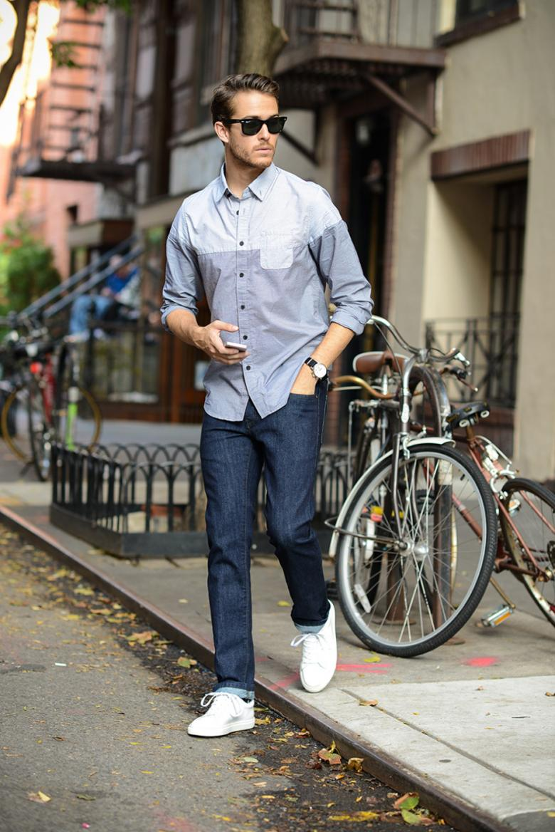 5 أنواع من الملابس لا غنى عنها في خزانة الرجل