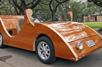 سيارة خشبية فائقة السرعة