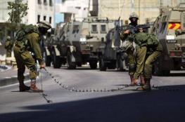 الخليل: الاحتلال ينصب حواجز عسكرية على مداخل بلدات