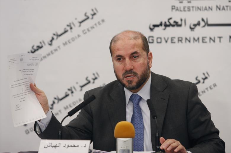 الهباش يحرض عباس على حصار وإحراق غزة