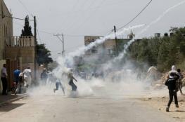 اختناقات بمواجهات واحتجاز مواطنين شمال طولكرم