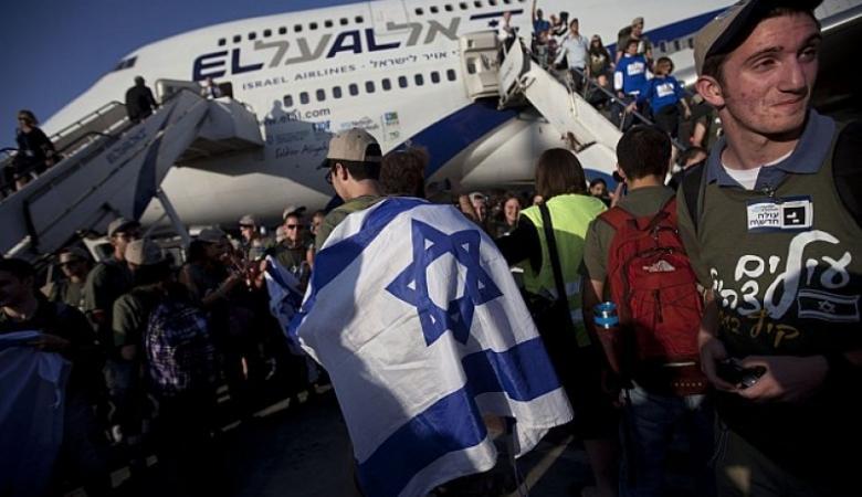 """استطلاع: ثلث اليهود يرغبون بالهجرة من """"إسرائيل"""""""
