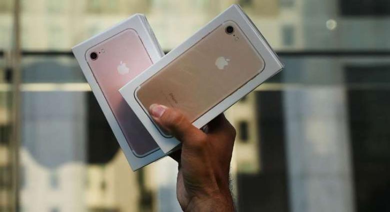 هل سنتمكن من شحن هاتف الآيفون الجديد لاسلكياً؟