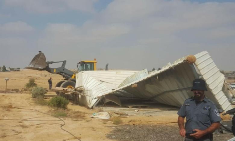 """الاحتلال يهدم 3 منازل في قرية """"أبو قرينات"""" بالنقب"""