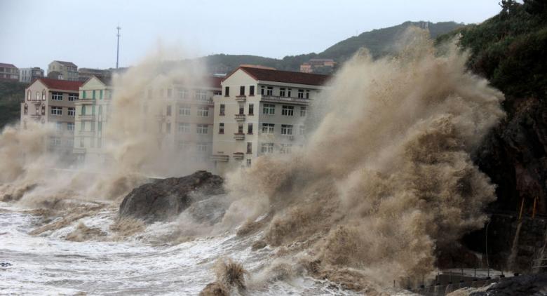 إعصار سرعته 200 كم يتجه نحو الصين