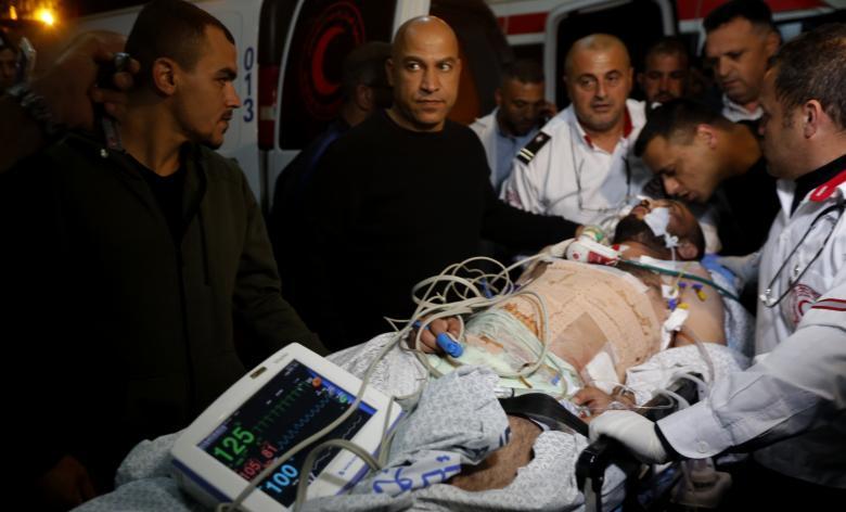 """وصول المصاب الصحفي """"أبوحسين"""" إلى رام الله"""