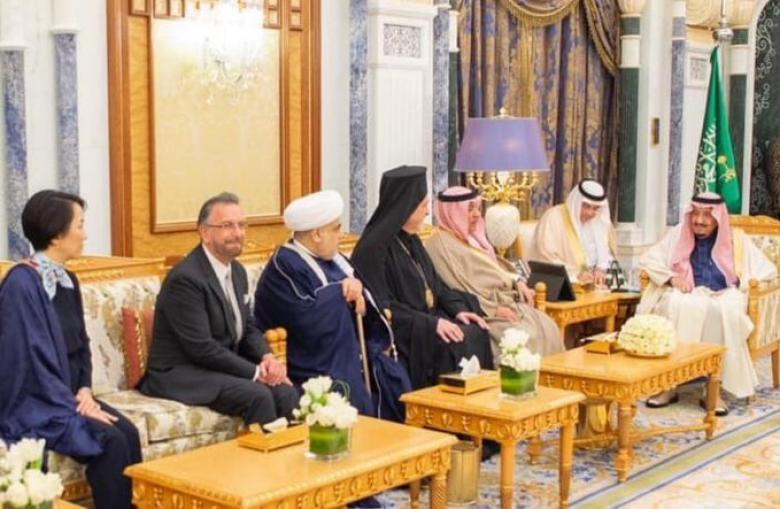 حاخام إسرائيلي بضيافة الملك سلمان ضمن وفد متعدد الأديان