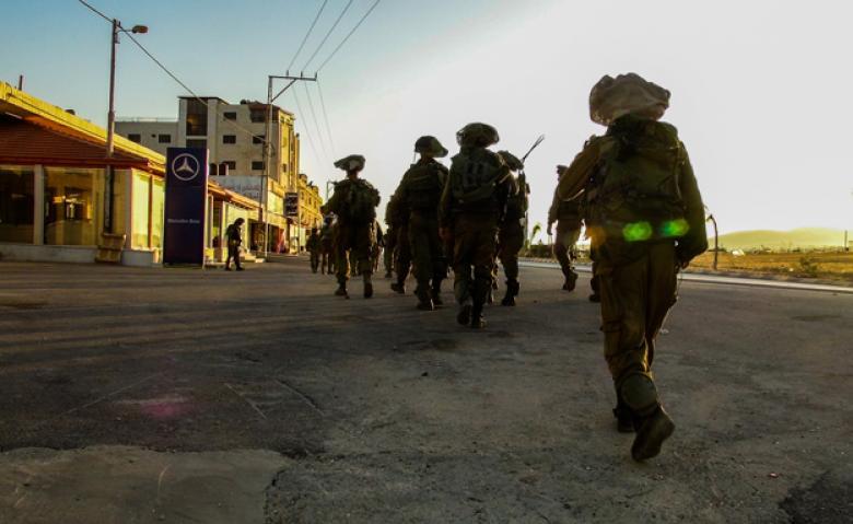 إصابة 9 مواطنين بالرصاص والعشرات بالاختناق خلال مواجهات أبو ديس