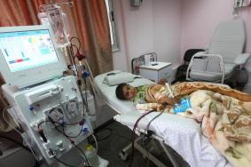 """هآرتس: وقف تحويل مرضى غزة لتلقى العلاج بـ""""إسرائيل"""""""