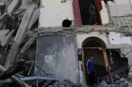 الاحتلال يجبر الشاب ابراهيم بدران على هدم مبنى تجاري