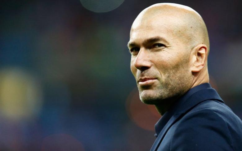 ريال مدريد ينوي تجديد عقد مدربه زيدان