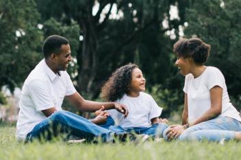 تربيتك ميراثك.. عن الأسرة والوالدين