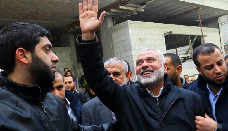 وفد من حماس برئاسة هنية يغادر القطاع إلى مصر