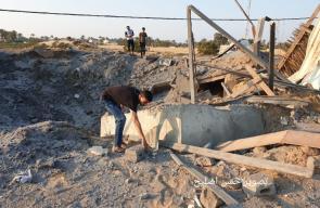 آثار الدمار الذي خلفه قصف الاحتلال على قطاع غزة الليلة