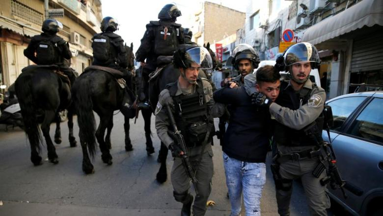 الاحتلال يواصل تنكيله بأهالي بلدة العيسوية