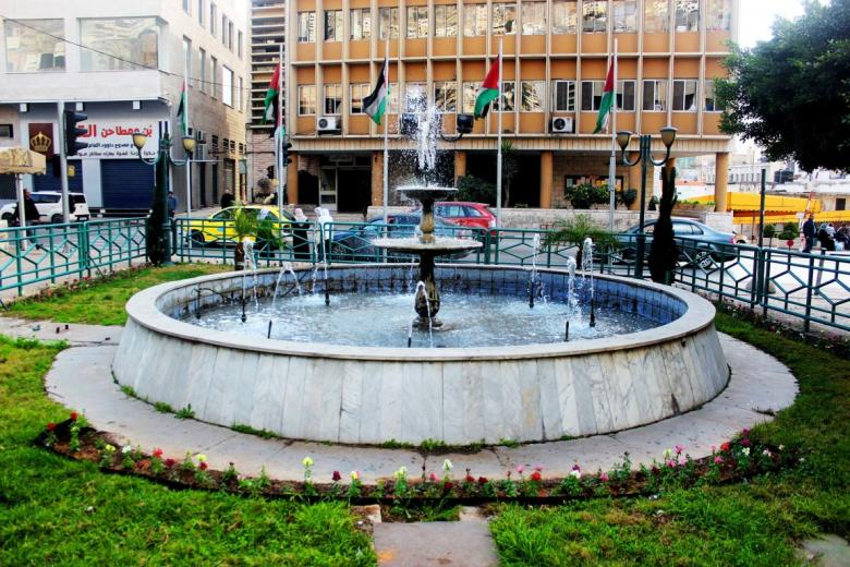 بلدية نابلس توقع اتفاقية تعامل حصري مع البنك الوطني