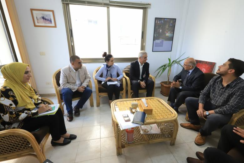 بلدية غزة توقع اتفاقية مع الصليب الأحمر لتشغيل مهندسين جدد