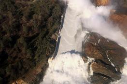 مخاوف من انهيار أطول سد في أمريكا