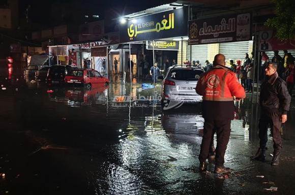 غرق حي الرمال غرب غزة بفعل المنخفض