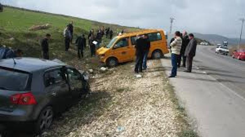 إصابات بانقلاب مركبة على المدخل الجنوبي لجنين