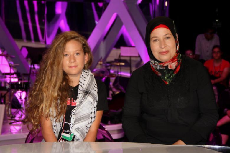 الاحتلال يمدد اعتقال عهد التميمي ووالدتها إلى الأربعاء