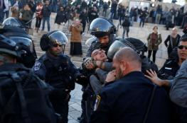 إصابة فتاة ومصور في اعتداء للاحتلال بباب العامود