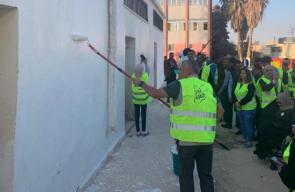 ملك الأردن يشارك في أعمال صيانة مدرسة بالزرقاء