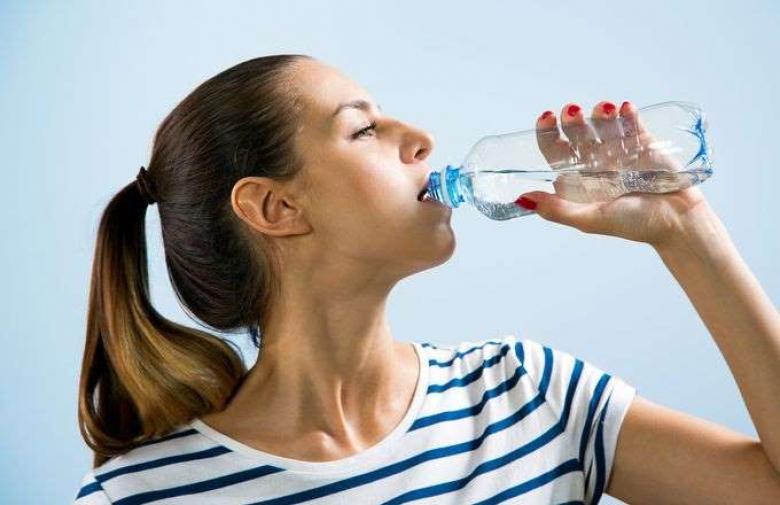 هل رجيم الماء فقط صحي