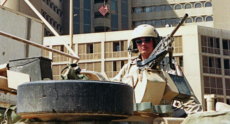 موقع عبري: قوات أمريكية تتجه إلى دولة عربية... ماذا يحدث مع إيران