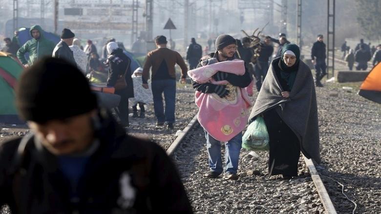 مهرب يترك لاجئين في درجة حرارة 20 تحت الصفر
