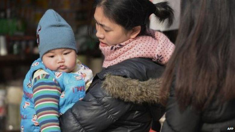 صيني يعثر علي طفله المختطف