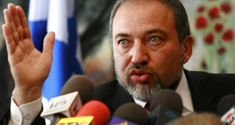ليبرمان يدعو لفرض عقوبة الإعدام بحق الفلسطينيين
