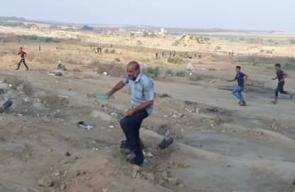 لحظة إصابة مواطن بمخيم العودة شرق البريج