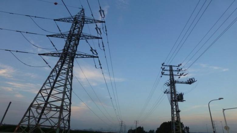 حماس: تقليص الكهرباء سيسرع في تدهور الأوضاع بالقطاع