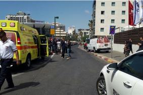 """إصابة 4 مستوطنين بعملية طعن في """"تل أبيب"""""""