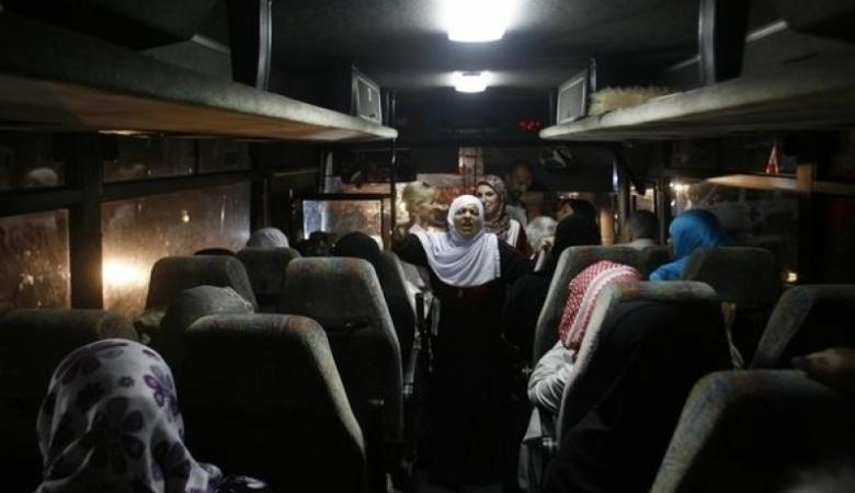 """59 من أهالي أسرى غزة يزورون ذويهم بـ""""نفحة"""""""